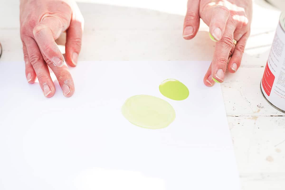 Color Mixing Tutorial #DIY #furniturepainting #colormixing #tutorial - www.countrychicpaint.com/tutorials