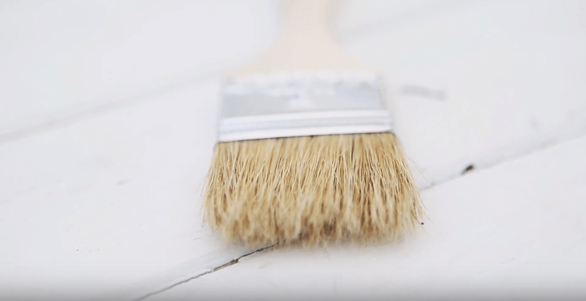 Furniture Painting Techniques #DIY #homedecor #furniturepainting #paintedfurniture #paintingtechniques #crafting #drybrushing #texture #videotutorial #tutorial #howto - www.countrychicpaint.com/blog