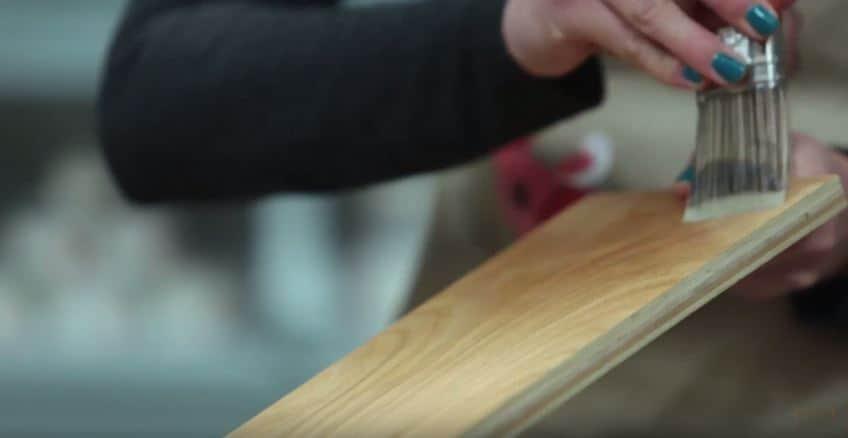 Country Chic Paint Clear Bonding Primer Tutorial #DIY #furniturepaint #paintedfurniture #primer #laminate #painting #homedecor #chalkpaint #howto #tutorial #video #peeling #countrychicpaint - blog.countrychicpaint.com