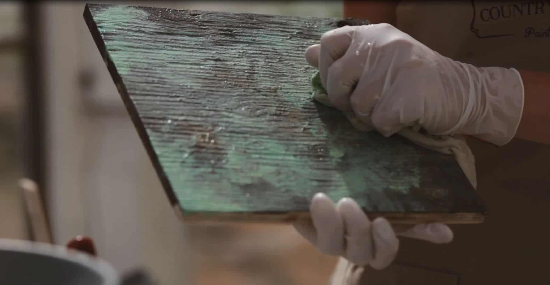 How To Create a Faux Oxidized Copper Finish with Country Chic Paint #DIY #furniturepaint #paintedfurniture #homedecor #howto #tutorial #video #techniques #oxidizedcopper #copper #fauxfinish #metallic - blog.countrychicpaint.com