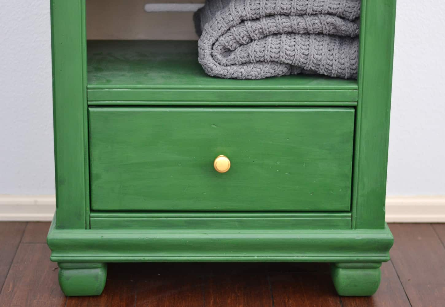 Emerald green chalk painted bookcase - eco friendly furniture paint
