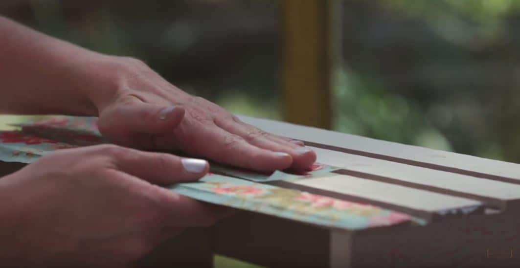 How To Decoupage Furniture #DIY #furniturepaint #paintedfurniture #homedecor #countrychicpaint #decoupage #decoupaging #imagetransfermedium #howto #tutorial #instructions #shabbychic #rustic #floral - blog.countrychicpaint.com