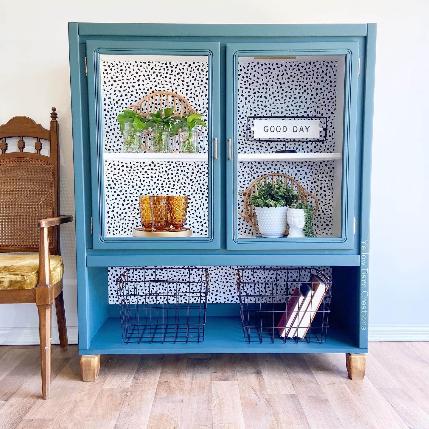 Storage Cabinet/Hutch in Bliss with Decorative Background and Glass Doors