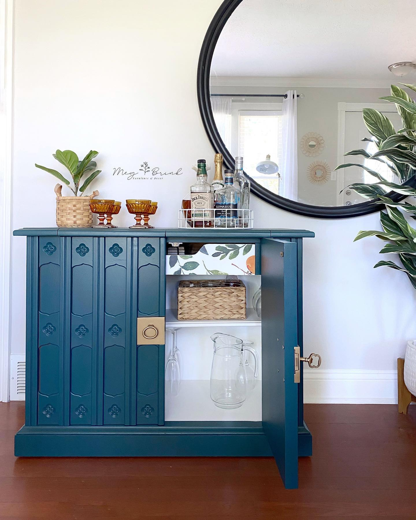 Hall Storage Cabinet/Bar in Wanderess with Gold Hardware