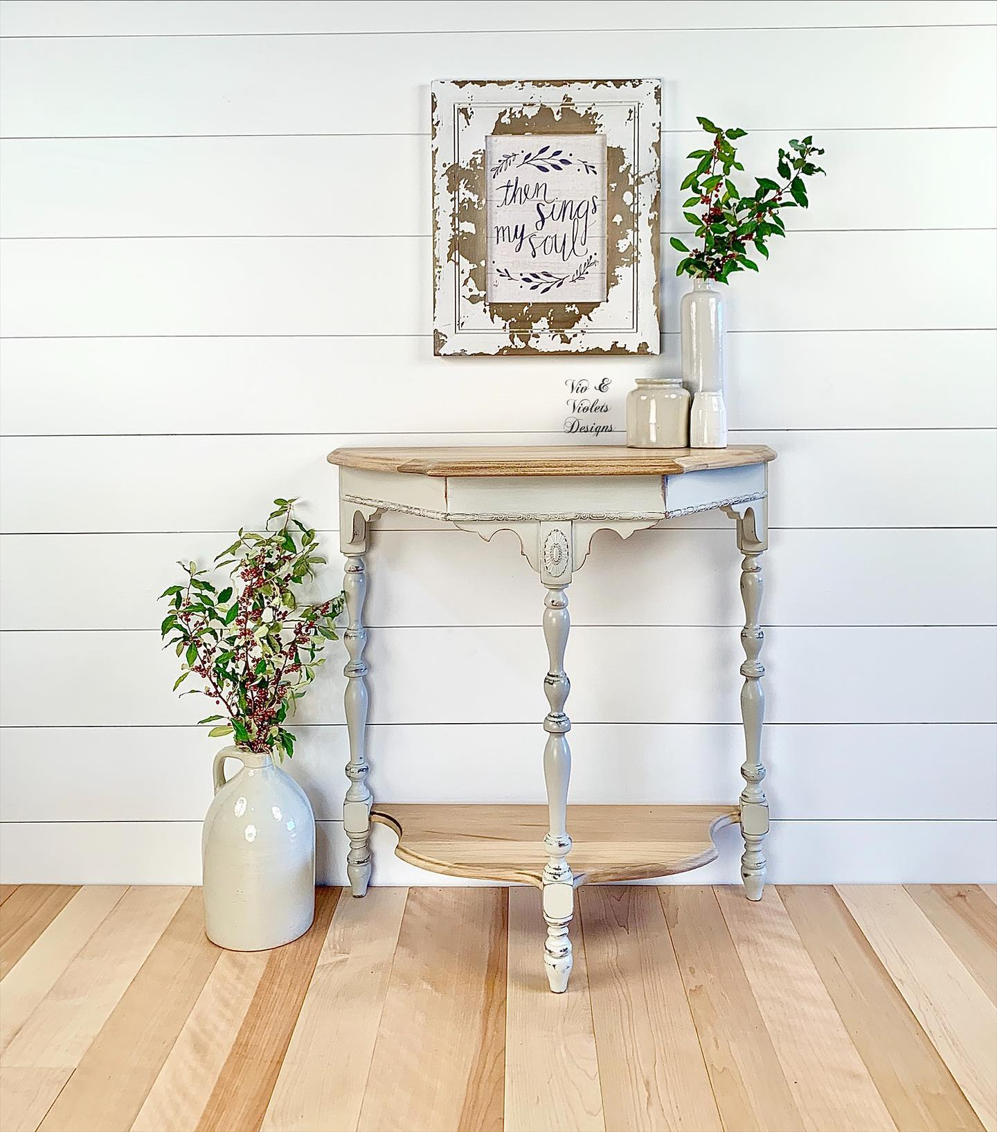 Accent/End Table in Lazy Linen with Natural Wood Top