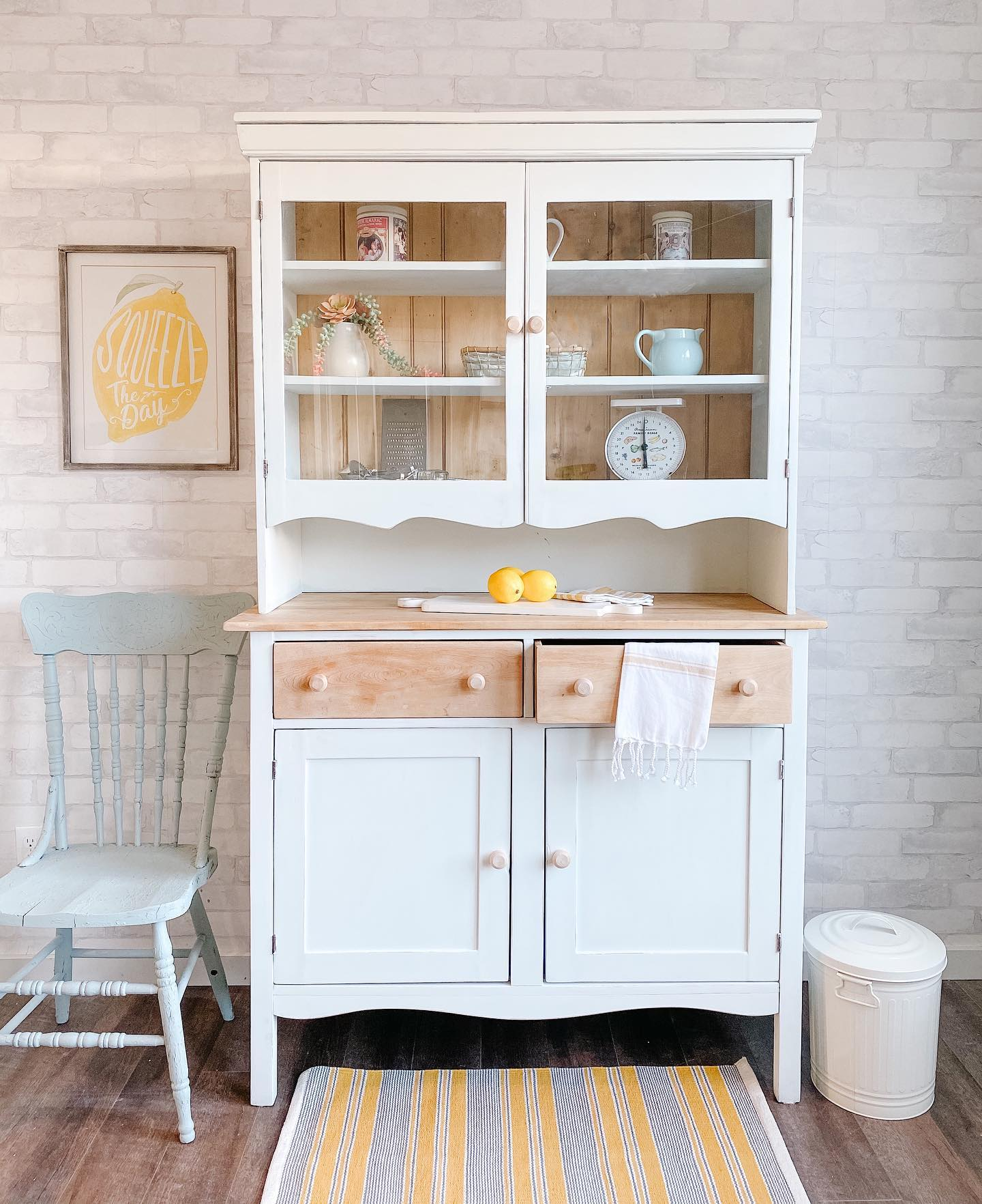 Buffet/Hutch in Simplicity with Natural Wood Drawers