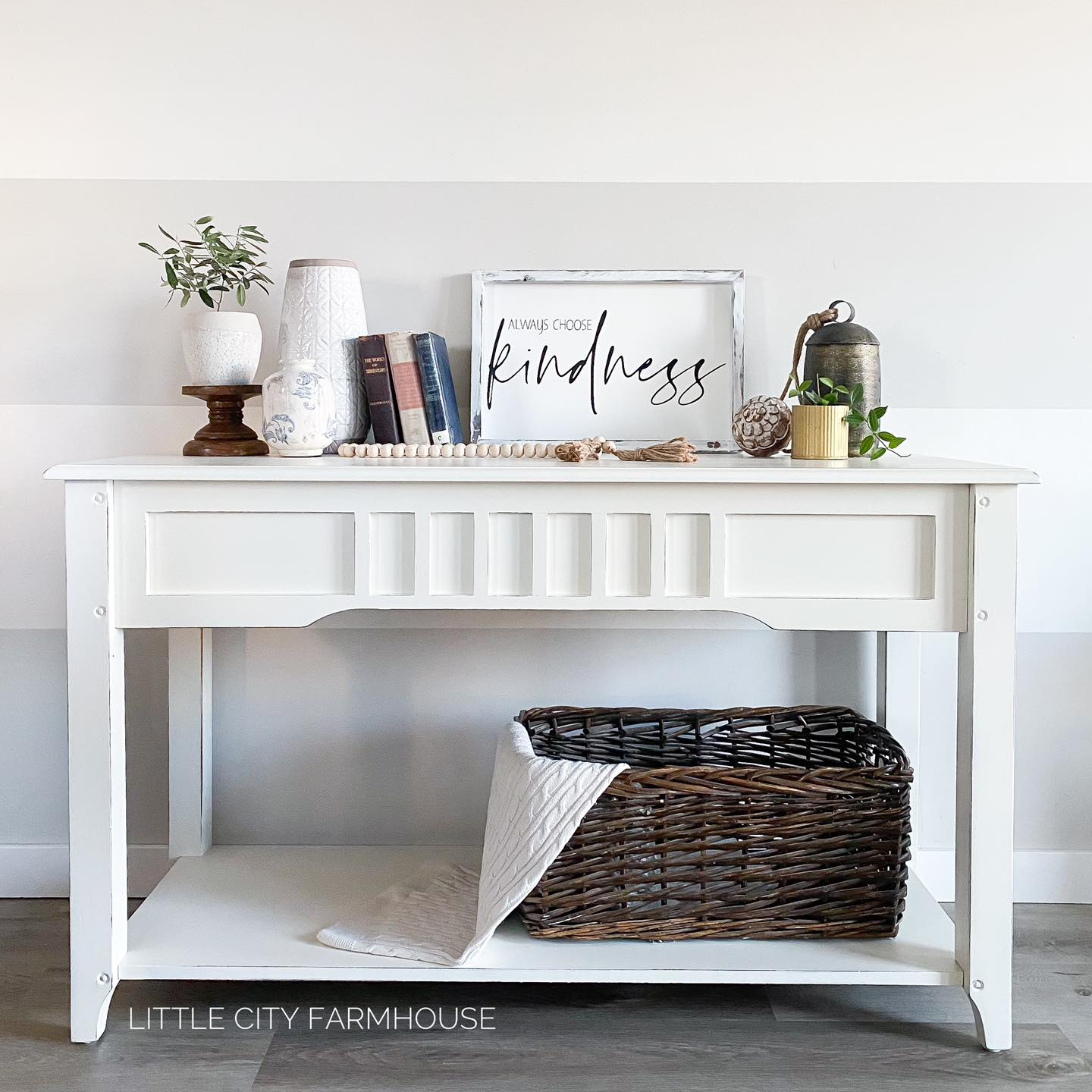Console/Accent Table in Vanilla Frosting