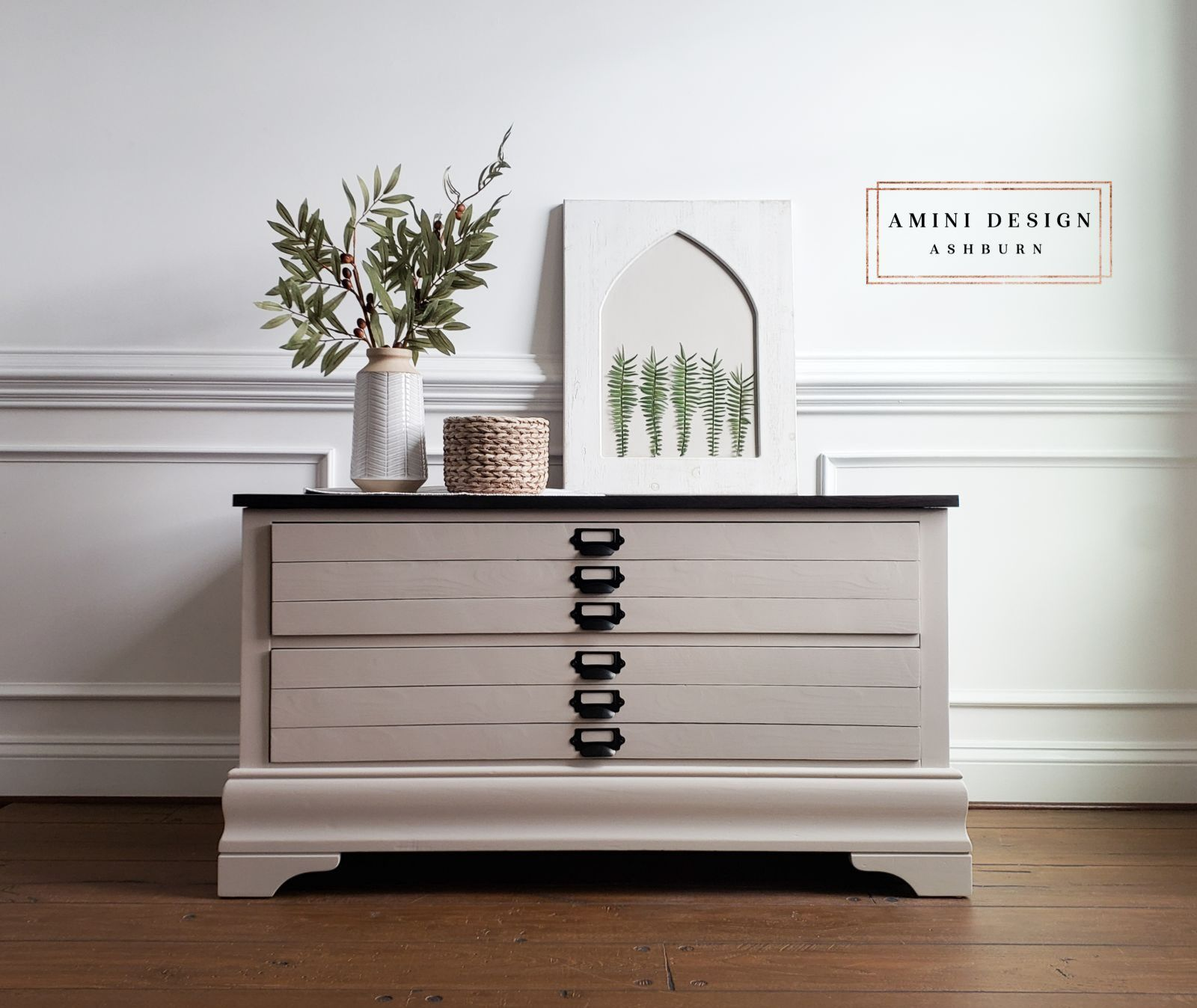 Coffee Table/Storage Cabinet in Pop The Bubbly